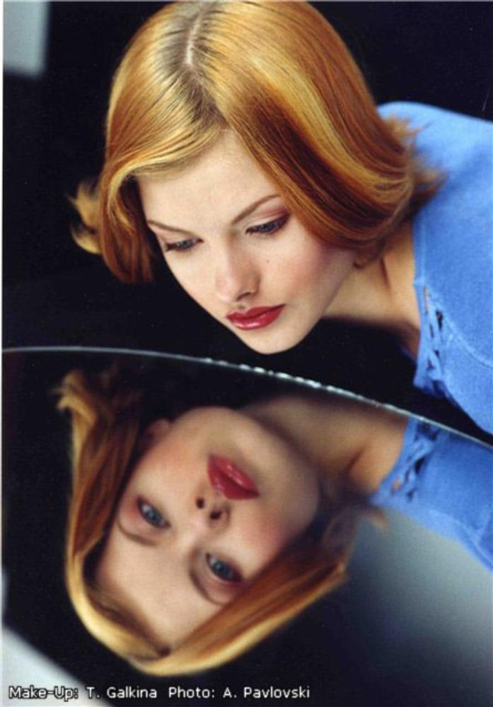 Фото 3. Макияж - это часть образа женщины.