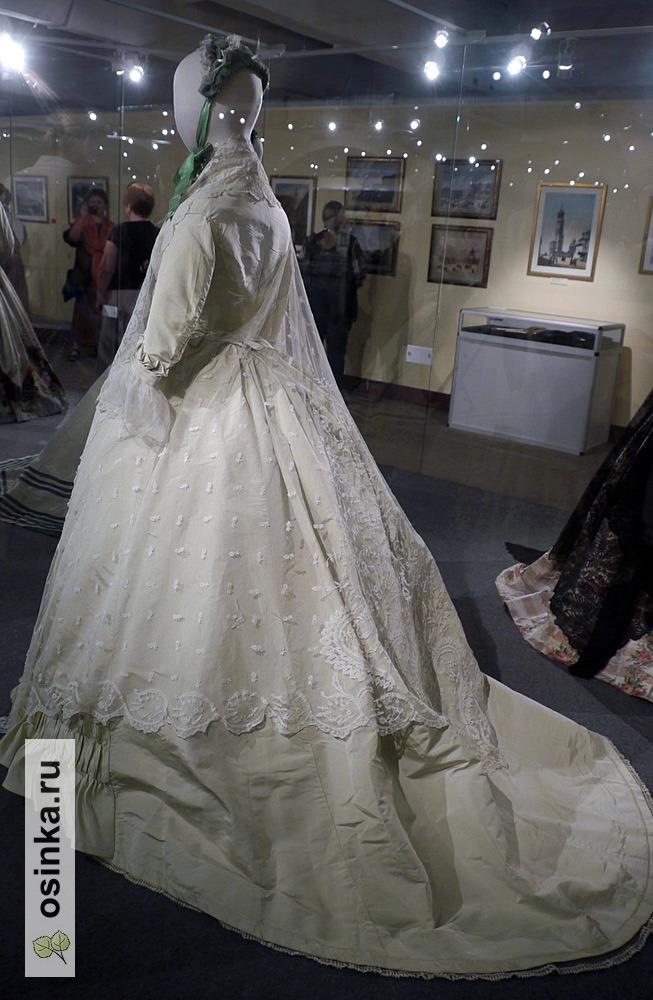 Фото. Платье прогулочное, репс, кружево Worth&Bobergh. Франция, 1859 г.