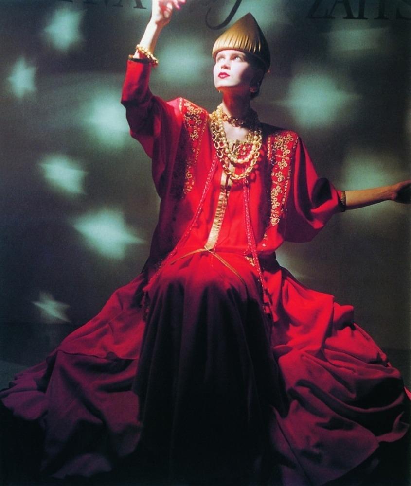 """Фото. Слава Зайцев, модель из коллекции """"Тысячелетие крещения Руси"""", 1988 г."""