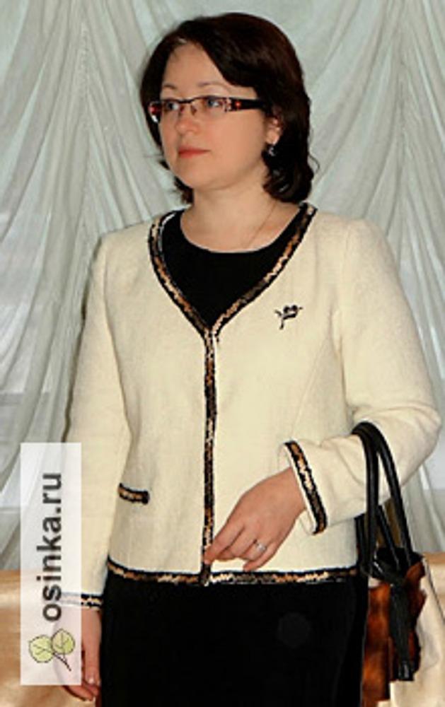 """Фото. Жакет """"шанель"""" из шерстяного букле декорирован тесьмой. Автор - Fialka_k ."""