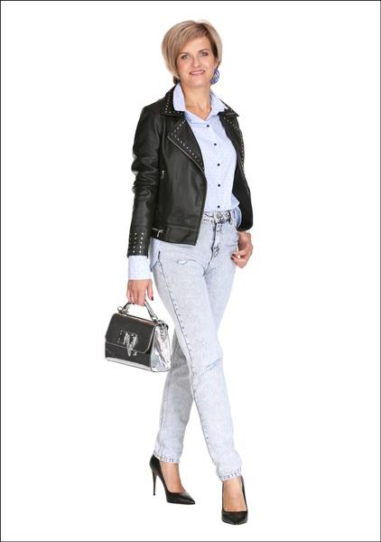 Комплект №3 . Куртка – Calvin Klein Jeans. Сорочка – Apranga. Джинсы – Mango. Туфли и сумка – Aldo. Серьги – Parfois