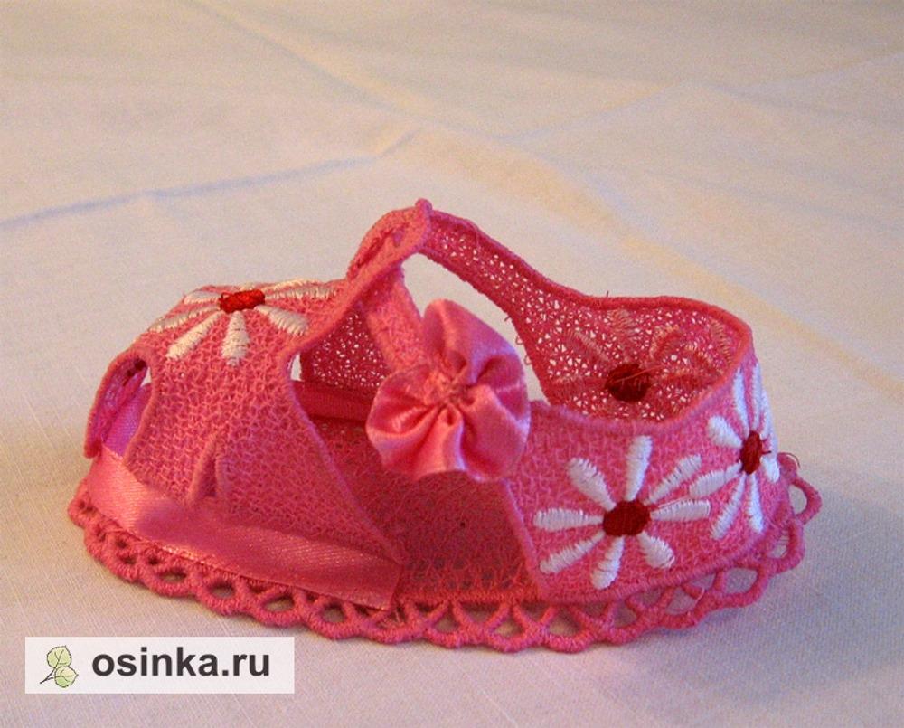 Фото. Туфельки - вышивка на растворимом флизелине. Автор - nata33 .