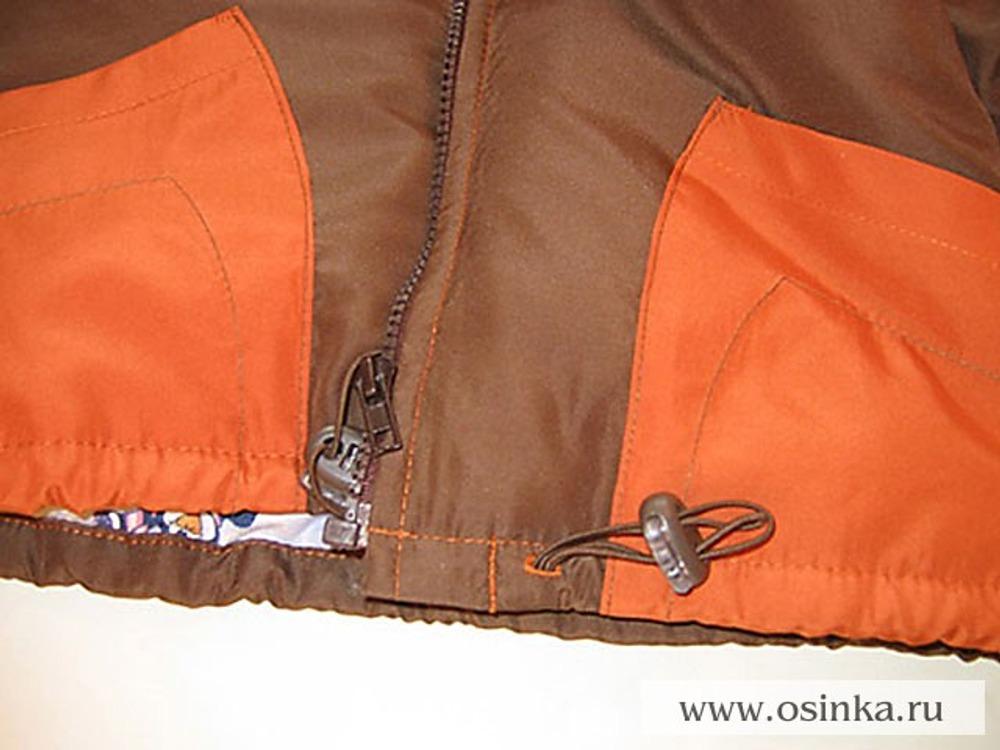 59. В получившуюся кулиску вдеть шнур и закрепить его (как на капюшоне).