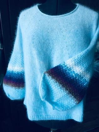 Фото. Пуловер из ангоры.