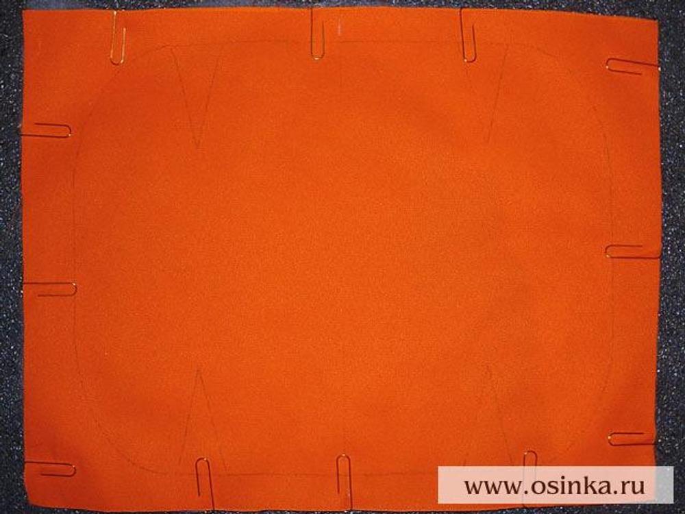 14. Так выглядит задняя половинка сумки (аналогично выглядит и передняя половинка), с которыми в дальнейшем необходимо работать как с однослойными деталями.