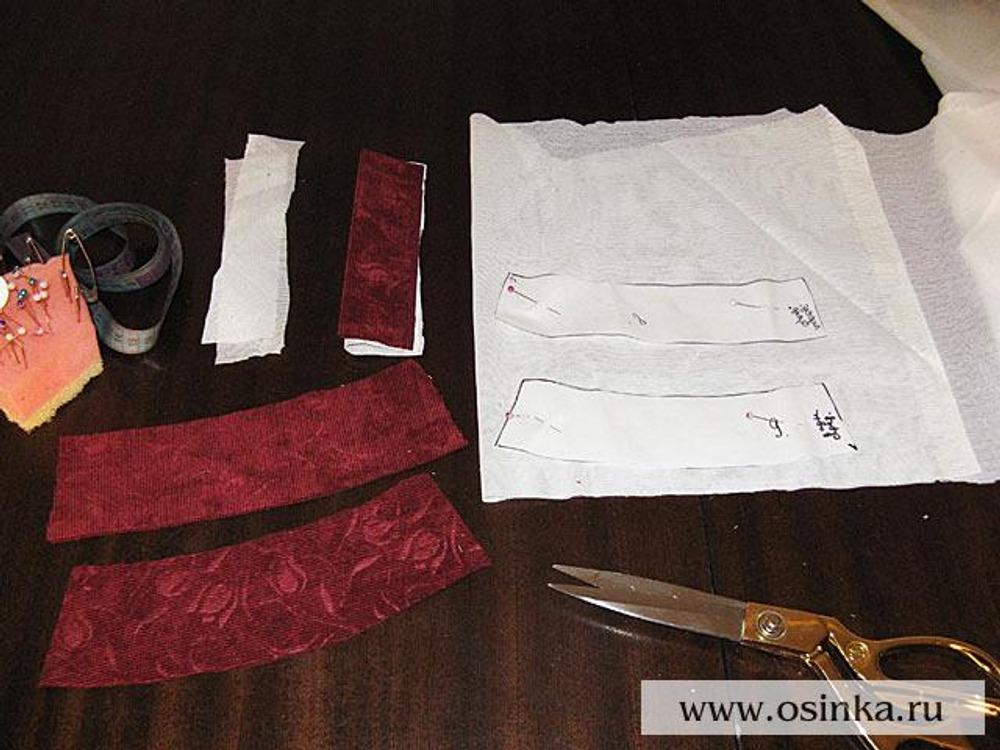 08. Теперь нужно вырезать из флизелина детали обтачек брюк, откоса и гульфика.