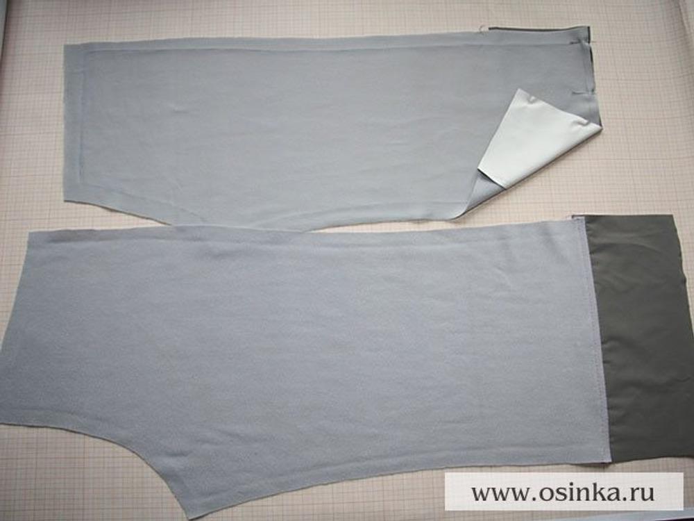 29. Подклад. Выкраиваем, штанины из подклада укорачиваются примерно на 10-15 см снизу. Надставляем штанины основной тканью по нижнему срезу. Цель этого мероприятия в том чтобы получился красивый отворот и меньше пачкался низ брюк, так как плащевка меньше загрязняется чем любая ворсовая ткань.