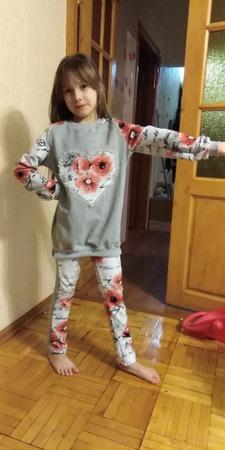 Фото. Костюм, сшитый  для дочери подруги, в роли модели  - моя младшая.