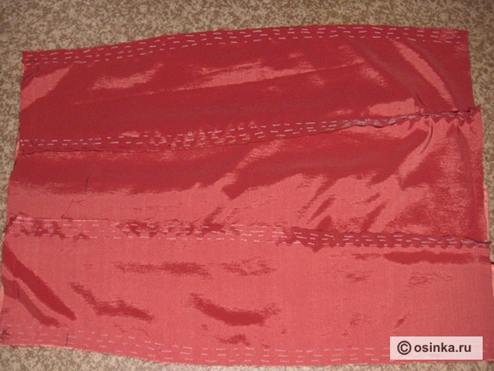 05. Появляются первые очертания нашего платья ( на фото нижняя часть изделия).