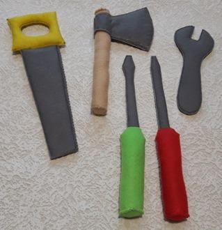 Фото. Проект по фантазиям Лехи! Майка и набор инструментов из фетра.