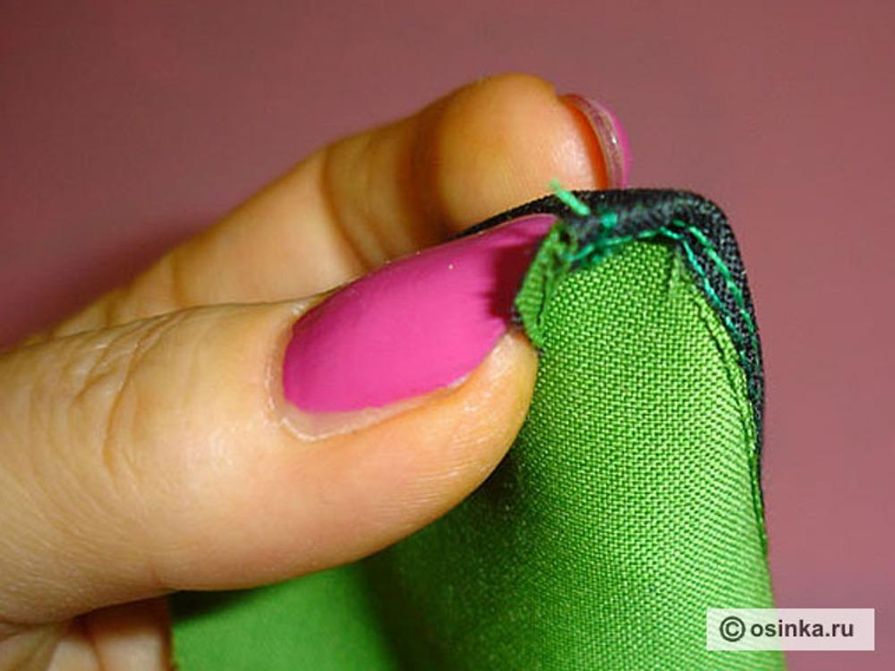 25. Завернуть на среднем пальце уголок так, как показано на снимке.