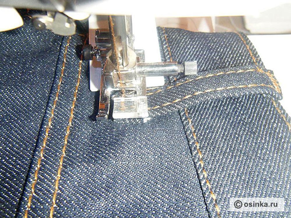 14. Виден зазор между шлевкой и поясом брюк, он нужен, чтобы ремень свободно вдевался.