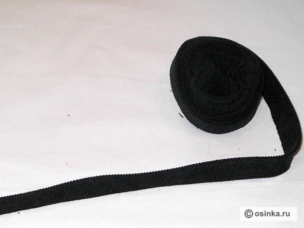 14. Для канта нам необходимо выкроить полоску ( под углом 45* ) из ткани-компаньона общей длиной 170 см шириной 3 см ( без припусков на швы). Складываем косую полоску пополам, берем шнур толщиной 2 мм, вкладываем его в косую бейку и отсрачиваем так, чтоб образовался кант.