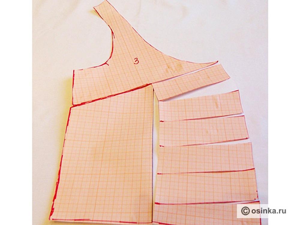 06. Моделируем боковую часть полочки. Линию середины и ближайшую сторону вытачки делим на равные отрезки. Соединяем точки между собой, разрезаем по намеченным линиям. Закрываем вытачку.
