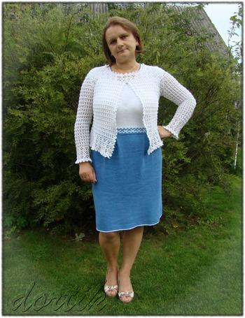 Фото. Ирена и белый жакет из темы Крестики-нолики. Жакет крючком из Lets knit series связан в комплект к платью. (ник в Клубе - dortik ).