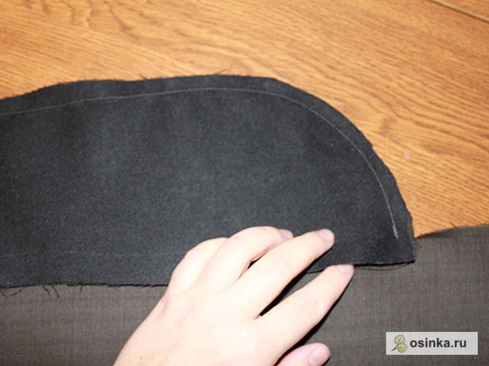 18. Когда стачиваю подборт с полочкой в нижней части подборта я не дострачиваю 1,5 см, для того, чтобы я могла прихватить подкладку.