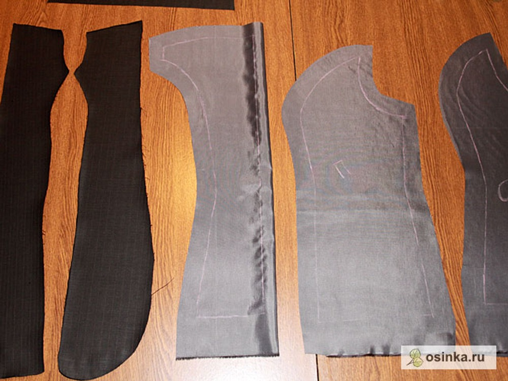 12. Выкраиваю подборта, подкладку и обтачку горловины.