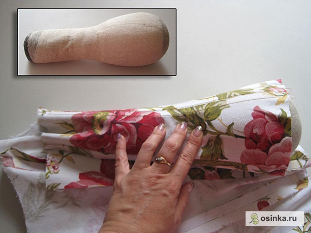 43. Придаю красивую форму боковому шву с помощью утюжки на груше.