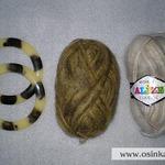 Исходные материалы: ручки для сумки и подобранная в тон пряжа. В этом мастер-классе предлагается использовать пряжу двух цветов, но одного и того же типа.