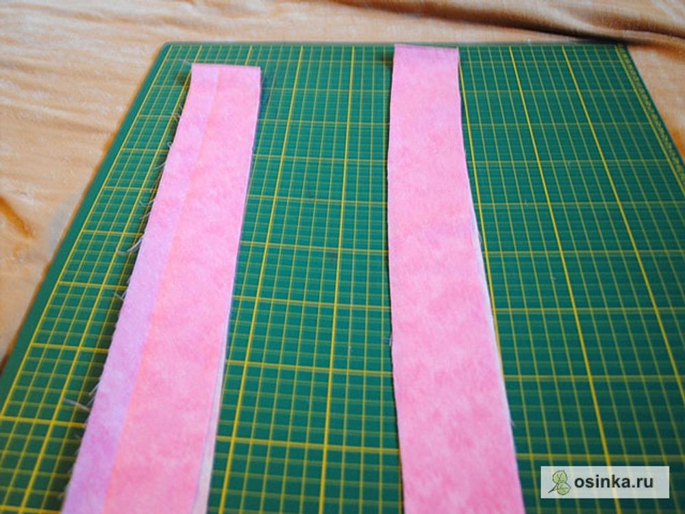 51. Выкраиваем две бейки шириной примерно 6 см: одну длиной - 35 см, вторую - примерно 105 см.