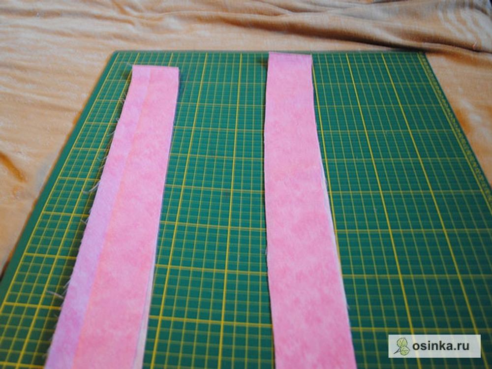 32. Выкраиваем из подкладочной ткани бейку (я крою прямую, знаю, что не правильно, но экономлю ткань) длиной примерно 90 см и шириной 4,5 см.