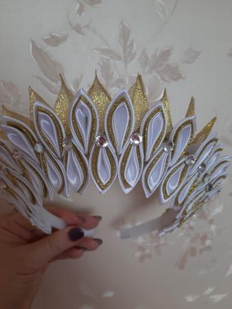 Фото. Новогодняя корона  в технике Канзаши. Автор работы - KorolekOlik