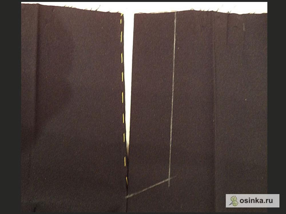 55. На левой половинке рисую линию отстрочки, ее конец находится на 2-5 мм ниже закрепки.