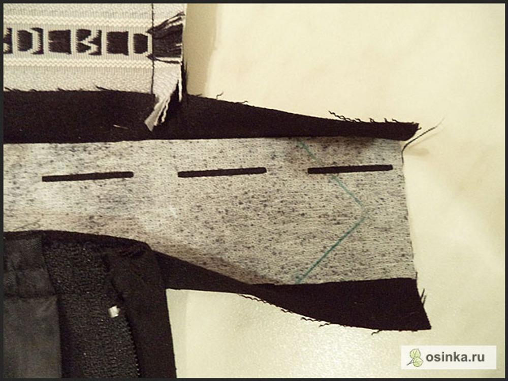 75. На поясе рисую уголок под петельку для пуговицы.
