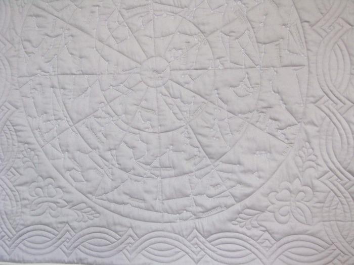 Фото. Одеяльце 110 на 110 см,100% мерсеризованный хлопок,шелк для вышивки элементов. Автор работы - АнюткаФ