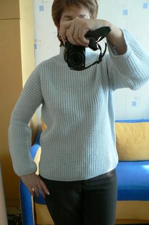 Фото. Голубой свитерок жемчужной резинкой, пряжа Lana Gatto Free.  Автор работы - Natal ka