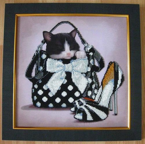 """Фото. Котик: """"Сюрприз"""" (вышито по набору ф-мы """"Краса і творчість"""").  Автор работы - Simfony"""