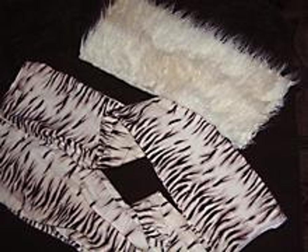 1. Отделка низа брюк мехом позволяет незаметно удлинить брюки или придать им новый вид. Для такой отделки потребуется небольшой лоскут меха шириной 6-12 см.