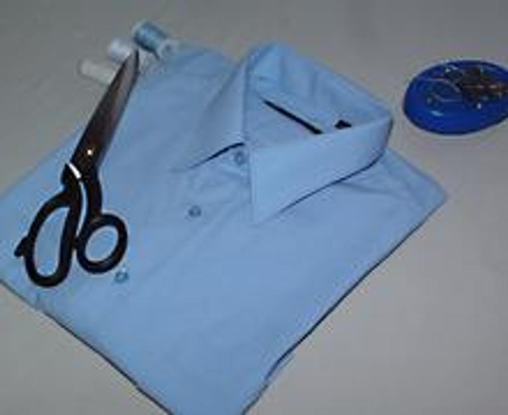 1. Мужские рубашки можно не только стирать, но и делать из них необычные блузки! И мы сейчас покажем, как именно...
