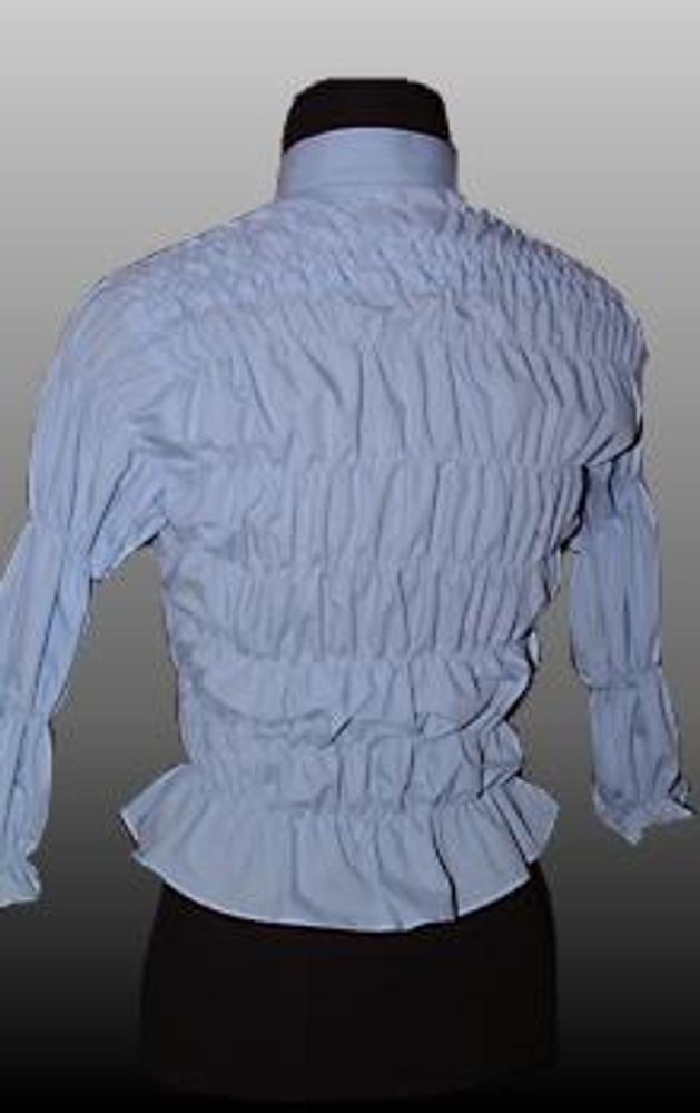 7. Строчка с резинкой образует присборенный шов, благодаря которому блузка приобретает не только ваш размер, но и модный вид. При необходимости края резинок можно дополнительно подтянуть. Совет: чтобы двойная кокетка не топорщилась, проложите по ней строчки почаще (через 5 см).