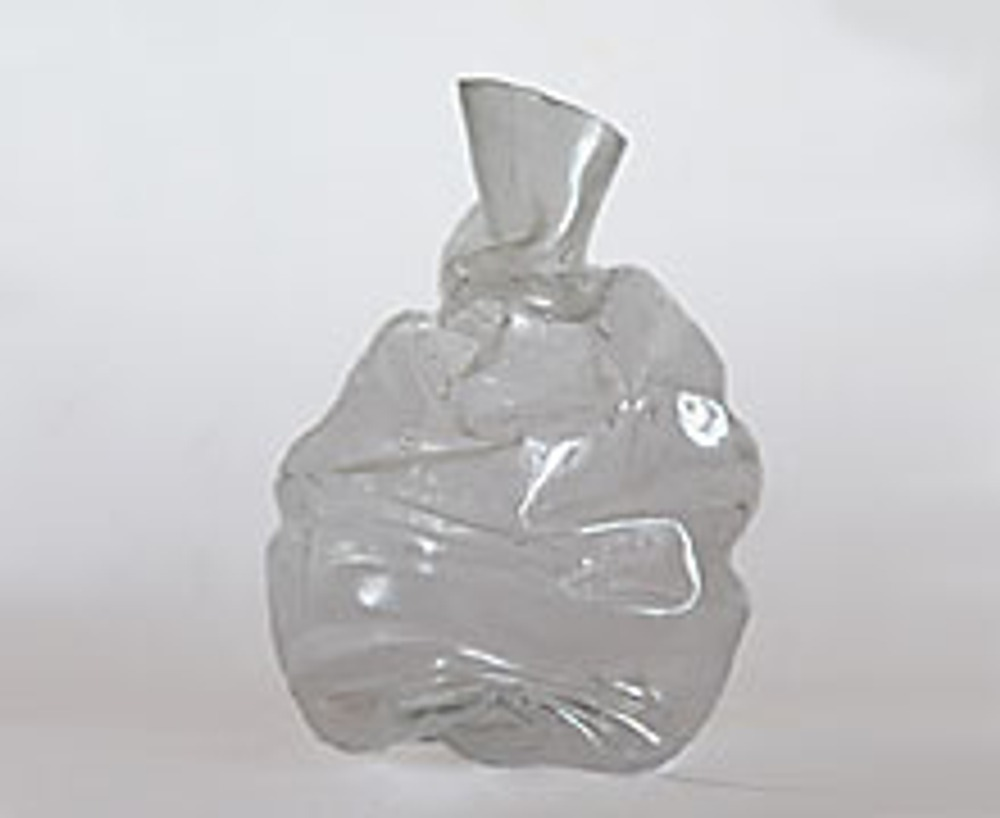 3. Вот и получилась заготовка для вазы. Пока это просто мятая бутылка. Однако, самый трудный этап работы завершен!