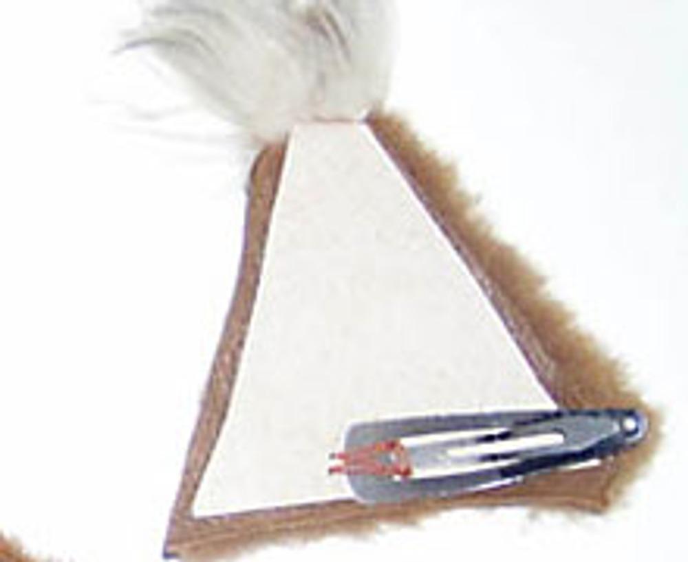 7. ...и пришейте заколки для крепления. Также ушки можно прикрепить на ободок для волос.