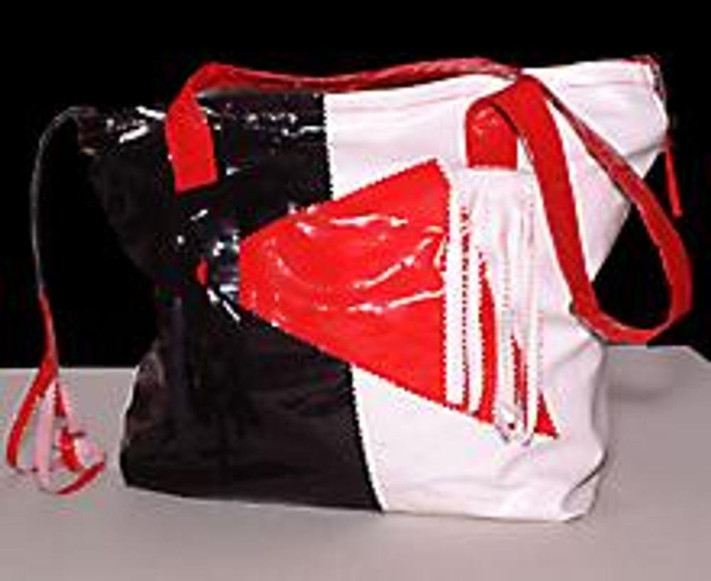 1. По показанной ниже технологии вы сможете легко и быстро сшить себе и знакомым удобные прямоугольные сумки. А их украшение - дело вашего вкуса!