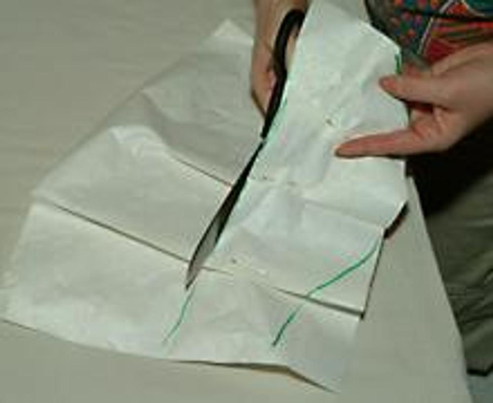 4. Вырежьте полученную выкройку.
