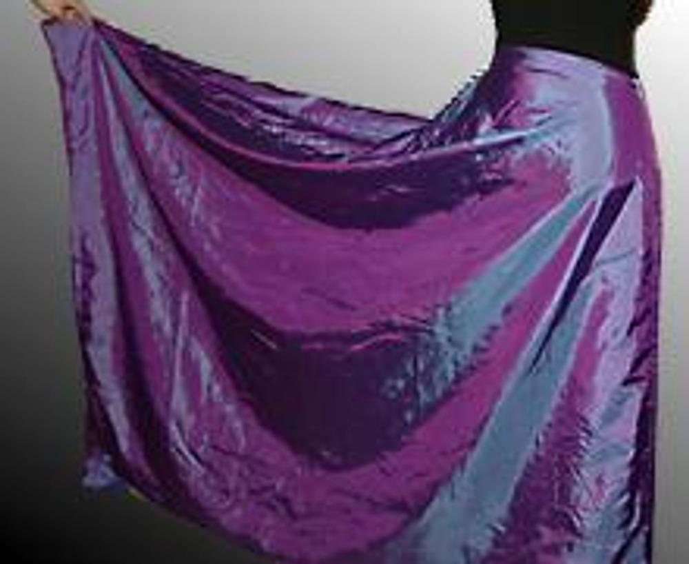 3. Талиевый срез юбки обработайте любым способом (обтачка, косая бейка, пояс).