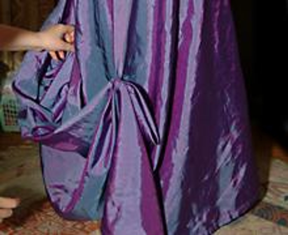 6. За счет этого приема создаются очень красивые драпировки! Готовая юбка показана на первой фотографии статьи.