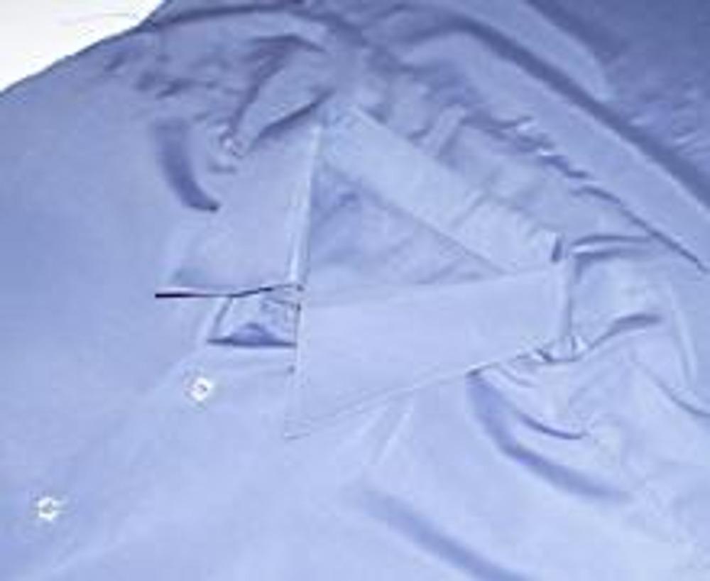 6. У вас получится закрытый ворот, и подушка не будет выглядывать из рубашки.