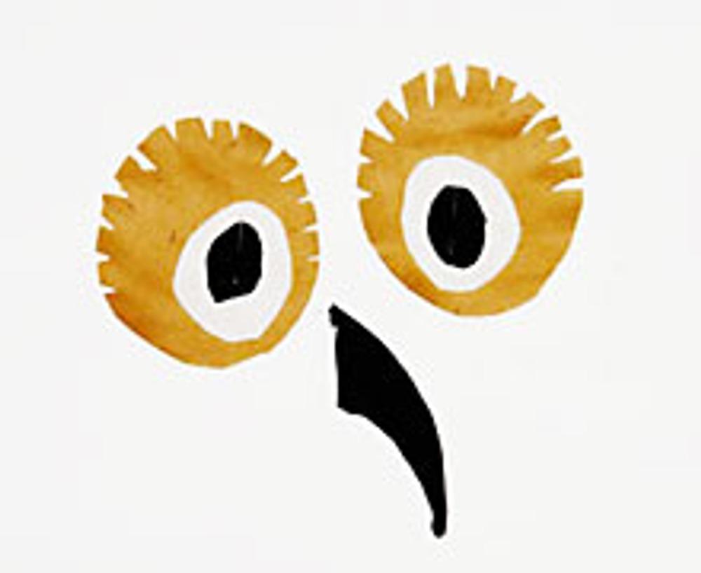7. Для глаз вырежьте два круга из ткани, диаметром 8 см. По краю его половинок вырежьте зубчики. Пришейте на них два белых кружочка поменьше и черные, еще меньше.