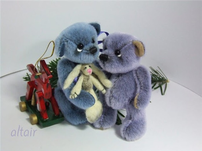 Фото. Мишки Paul (10,5 см) и Ivon (9,5 см). Автор работы - Miranda
