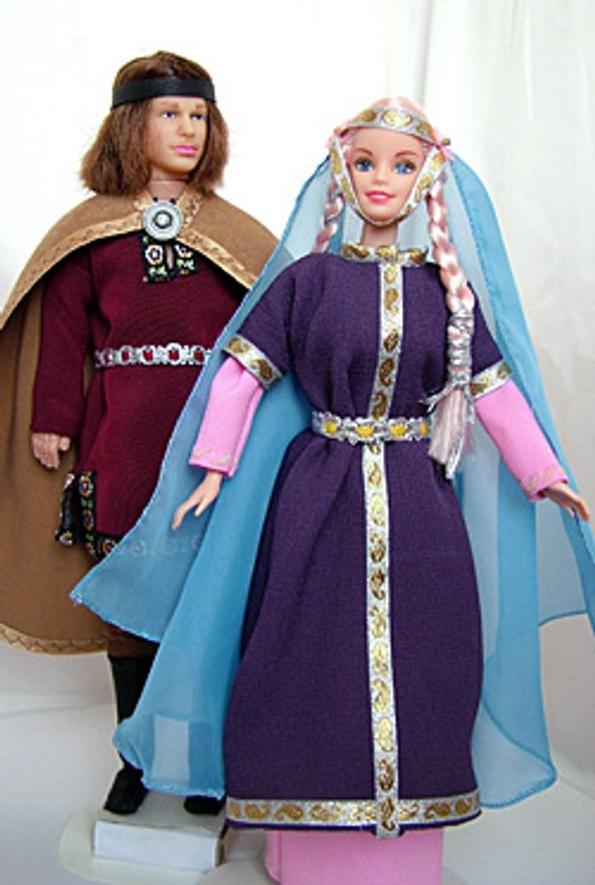 В эпоху раннего средневековья костюм мало развивался, совершенствовались уже существующие формы.