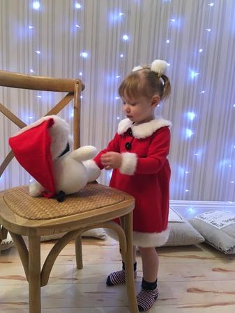 Фото. Девочка Санта   - тоже для малышек! Главное чтобы был красный колпак! Автор работы - Surochek