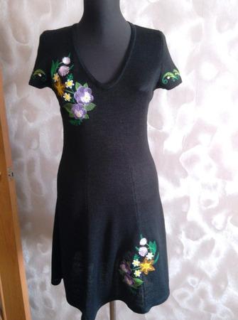 Фото. Вышивка на платье.  Автор работы - NataliaG