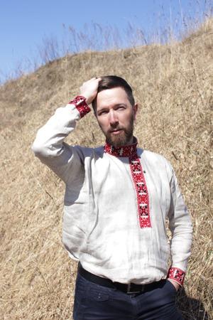 Фото. Мужская рубаха с вышивкой.  Автор работы - олЁна и ежик