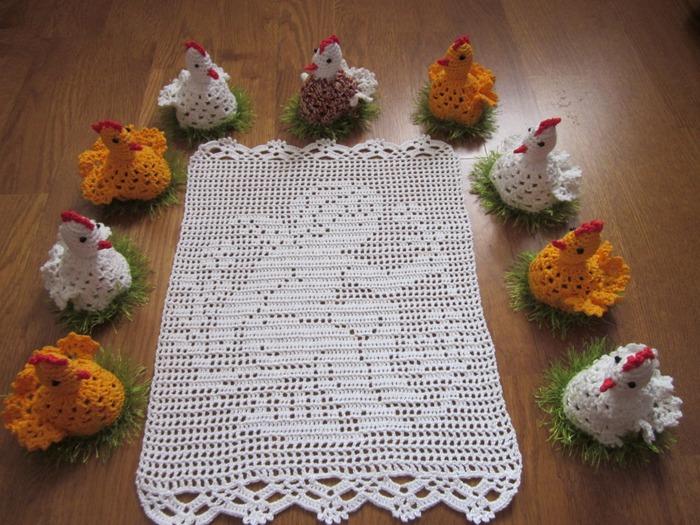 Фото. Пасхальная салфетка (филейное вязание) и милые сувенирчики.  Автор фото - I_volga