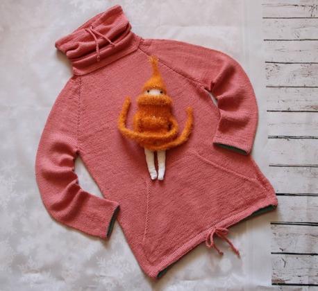 Фото. Худи, машинное вязание.   Автор работы - Дочура