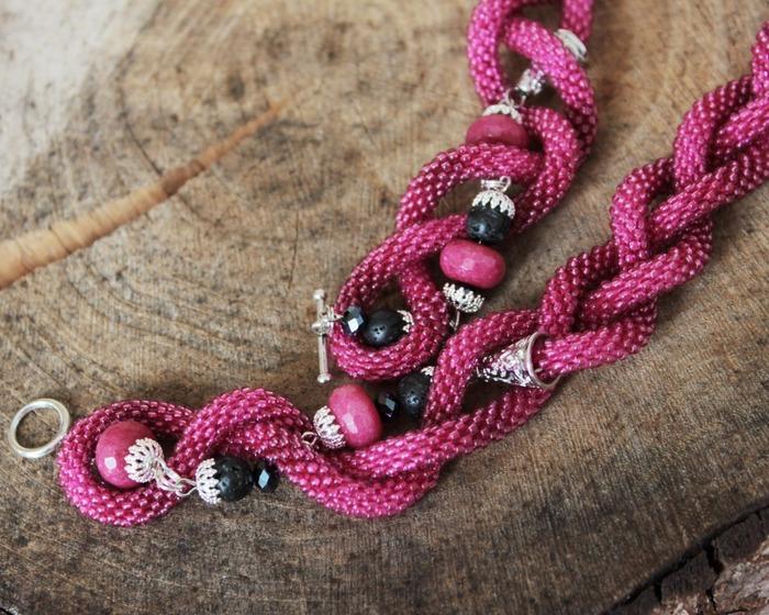 """Фото. """"Оттенки Роз"""", бисерный шнур крючком. Автор работы - fire82"""